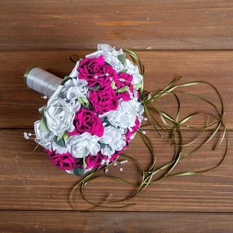 Букет-дублер для невесты малиновый