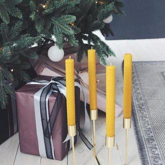 Новогодняя высокая тонкая свеча