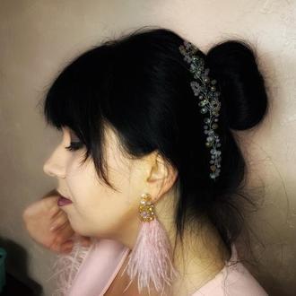 Гілочка у зачіску