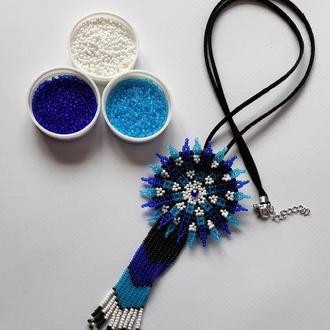 Кулон из бисера уічольський мотив