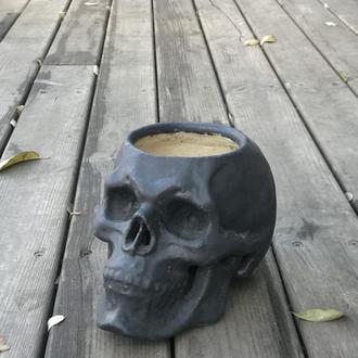 Кашпо керамическое черное - череп