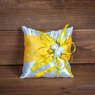 Подушечка для колец с розочками желтая