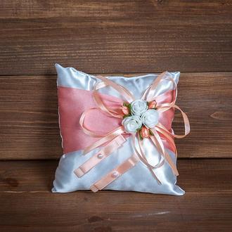 Подушечка для колец с розочками персиковая