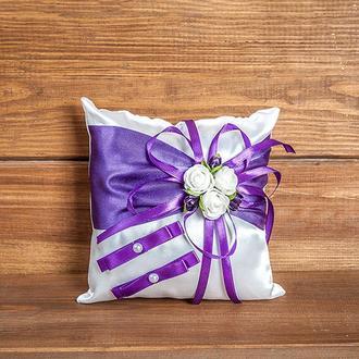 Подушечка для колец с розочками фиолетовая
