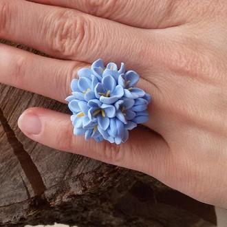 Голубое кольцо из цветов. Цветочное кольцо. Кольцо цветок. Кольцо с цветами