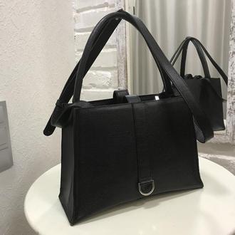 Черная кожаная повседневная женская сумка.