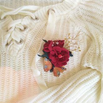 Брошь бабочка на розе