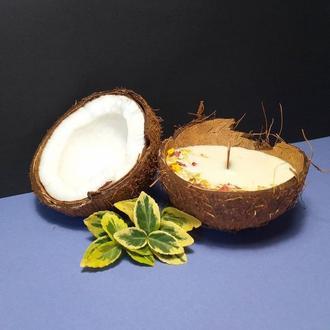Соевая свечка в скорлупе кокоса