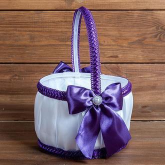 Корзинка для лепестков с бантами фиолетовая