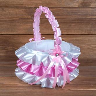 Атласна кошик для пелюсток з рюшами рожева