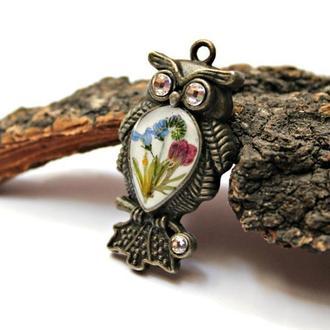 Кулон-сова с букетом цветов