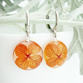 Яркие серьги с цветами гортензии Оранжевые цветы Подарок девушке (модель № 2702) Glassy Flowers