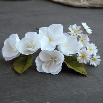 Шпильки для волос с белыми цветами яблони, гортензии и гипсофилы / Свадебные шпильки