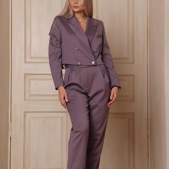 Брючный костюм лиловый