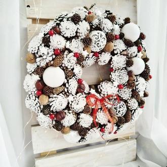 Венок из шишек, рождественский венок на дверь из шишек, новогодний венок из шишек