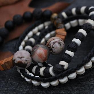 Набор браслетов из натуральных материалов
