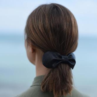 Резинка для волос с кожаным бантом *3