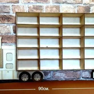Настенная полочка (в виде грузовика) для игрушечных машинок, например из серии «hot wheels»