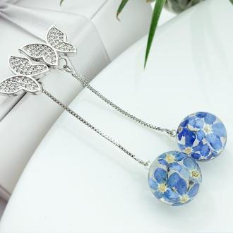 Серьги-бабочки на длинных цепочках с голубыми цветами незабудок  (модель № 2719) Glassy Flowers