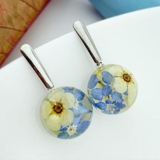Миниатюрные серьги с незабудками Подарок девушке жене маме сестре  (модель № 2720) Glassy Flowers