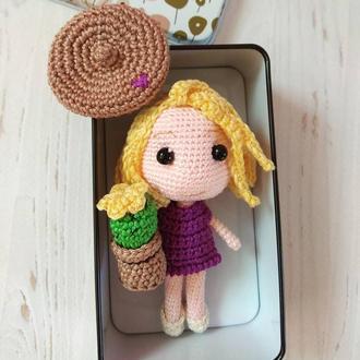 Куколка амигуруми. Стильная Pocket  doll в коробочке.