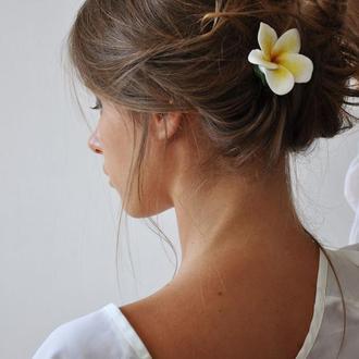 Заколка цветок плюмерии