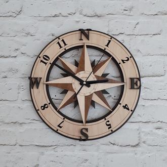 Деревянные настенные часы Компас