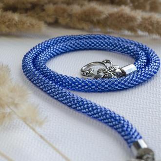 Жгут-лариат из бисера на шею в оттенке джинсовый синий