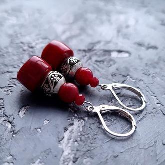 Сережки из натурального коралла с серебряными застежками № 270