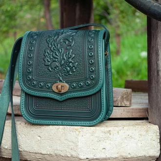 Женская кожаная сумка темно-зеленая через плечо с орнаментом