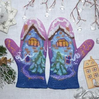 Варежки валяные с рисунком Сказочные домики