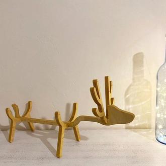 Подставка для бутылки вина в виде оленя из фанеры