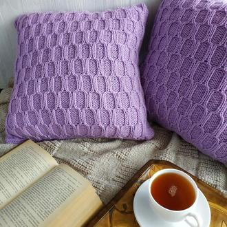 Диванна подушка (наволочка) в'язана бузкова з геометричним візерунком на блискавці - 40*40 см