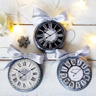 Набор новогодних игрушек- серебряные часы (3 штуки)