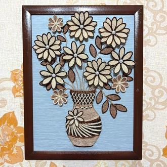 Картина для интерьера ваза с цветами. Размер 34*44 см.