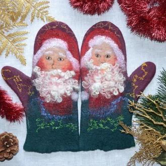 Варежки валяные с дедом Морозом ′С Новым Годом!′