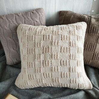 Диванная подушка (наволочка) вязаная сгущенное молоко на пуговицах - 40*40 см
