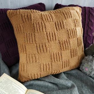Диванная подушка (наволочка) вязаная двухсторонняя коричневая-бежевая на пуговицах - 40*40 см