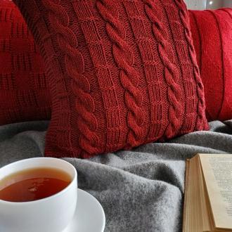Диванная вязаная подушка (наволочка) на пуговицах - марсала - 40*40 см