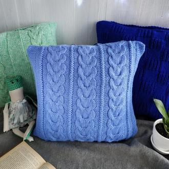 Диванная вязаная подушка (наволочка) на пуговицах - голубая - 40*40 см