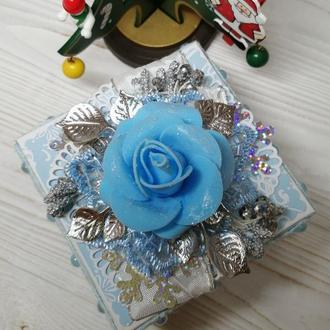 Подарочная новогодняя коробочка