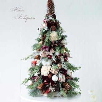 Новогодняя декоративная елка.