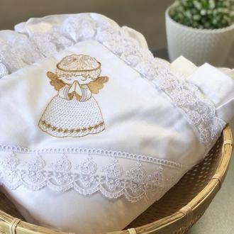 """Крижма для хрещення дитини, квадратна з рюшами і вишивкою """"Ангел"""", біла"""
