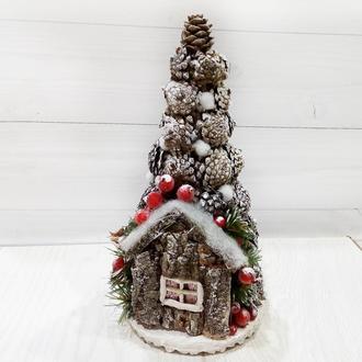 Подарочная новогодняя елка с декором из шишек в эко-стиле H - 35 см