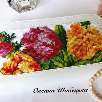 Белый кошелёк с тюльпанами,белый кошелёк