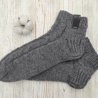 Вязаные шерстяные носочки