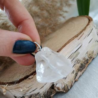Кулон из горного хрусталя фриформ на серебре ′Горный кристалл′