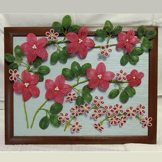 Объемная картина, цветы из бисера. Размер 34*44 см.