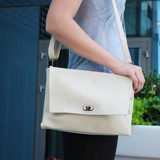 Женская сумочка из натуральной кожи бежевая