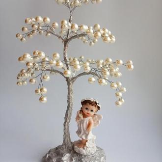 Дерево из жемчужных бусин с ангелом